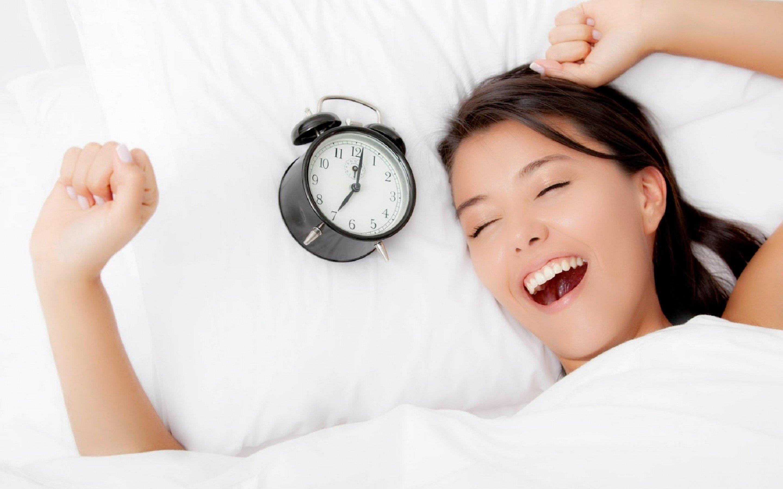 Ngủ trưa khoảng 15 phút là cách chống buồn ngủ ban đêm hiệu quả