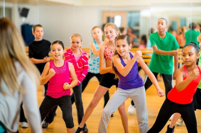 Tập aerobic giúp con cao cao aerobic