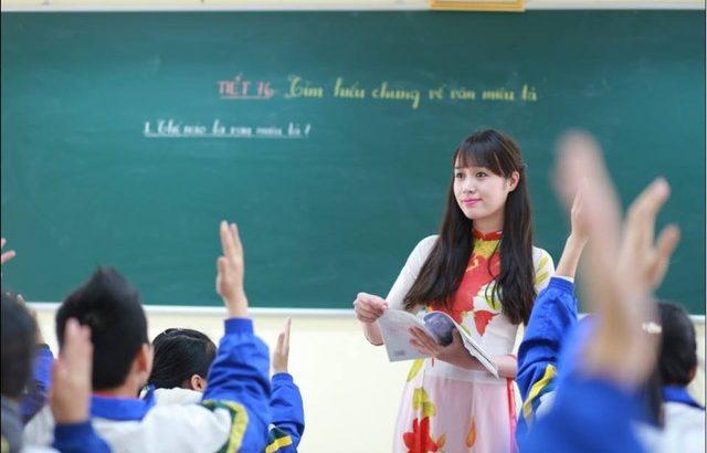 Vì sao chọn nghề giáo viên giữa vô số ngành nghề?