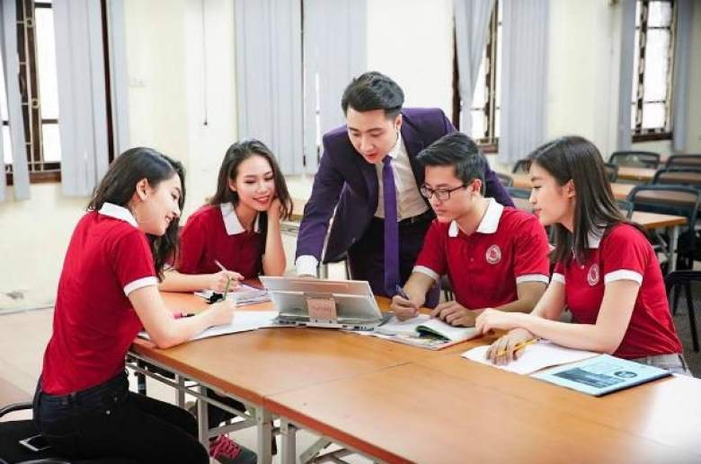 Cơ hội việc làm rộng mở cho sinh viên khối D